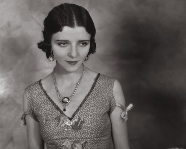 Love And Physical Beauty : Beauty In 1920